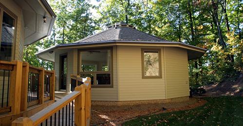 Custom floor plans modern prefab homes round homes for Deltec homes cost